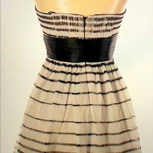 BCBG STRAPLESS DRESS SIZE 6 LIKE NEW